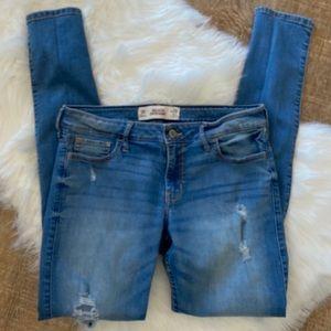 Hollister Super Skinny Distressed Jeans 29